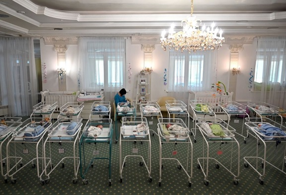 Surrogate-born babies stranded in Ukraine